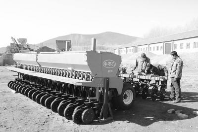 """农机装备结构不合理 存""""三多三少""""问题"""